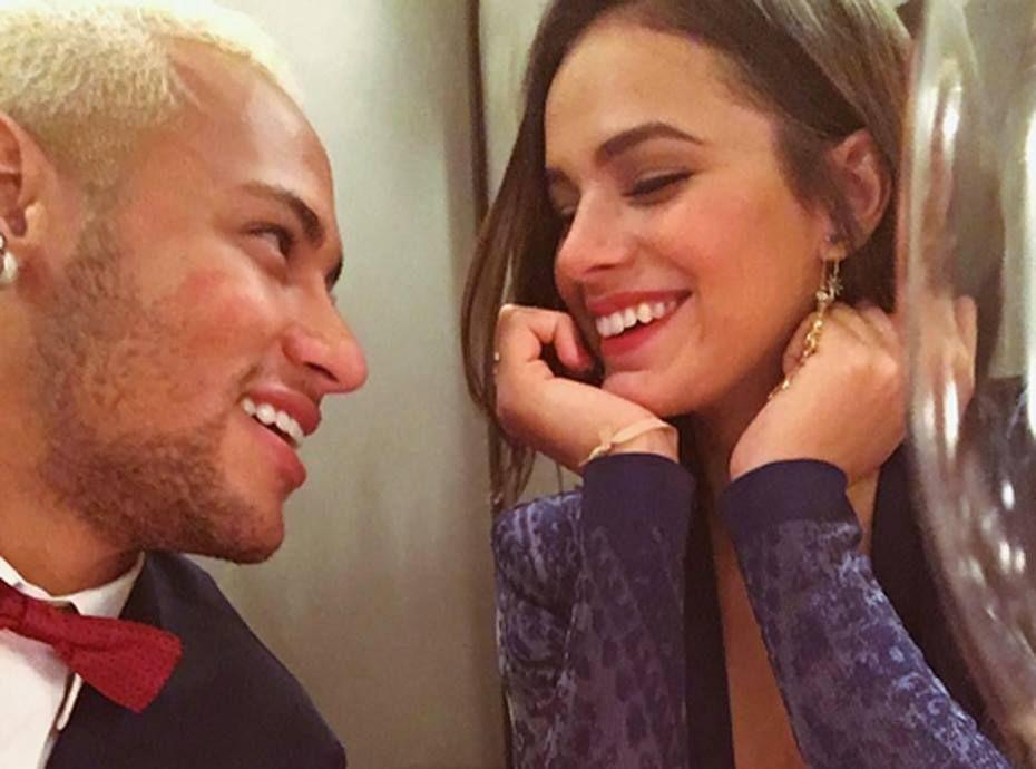 Photos Neymar L Amour Toujours Au Rendez Vous Entre Le Bresilien Et Sa Belle Bruna Marquezine