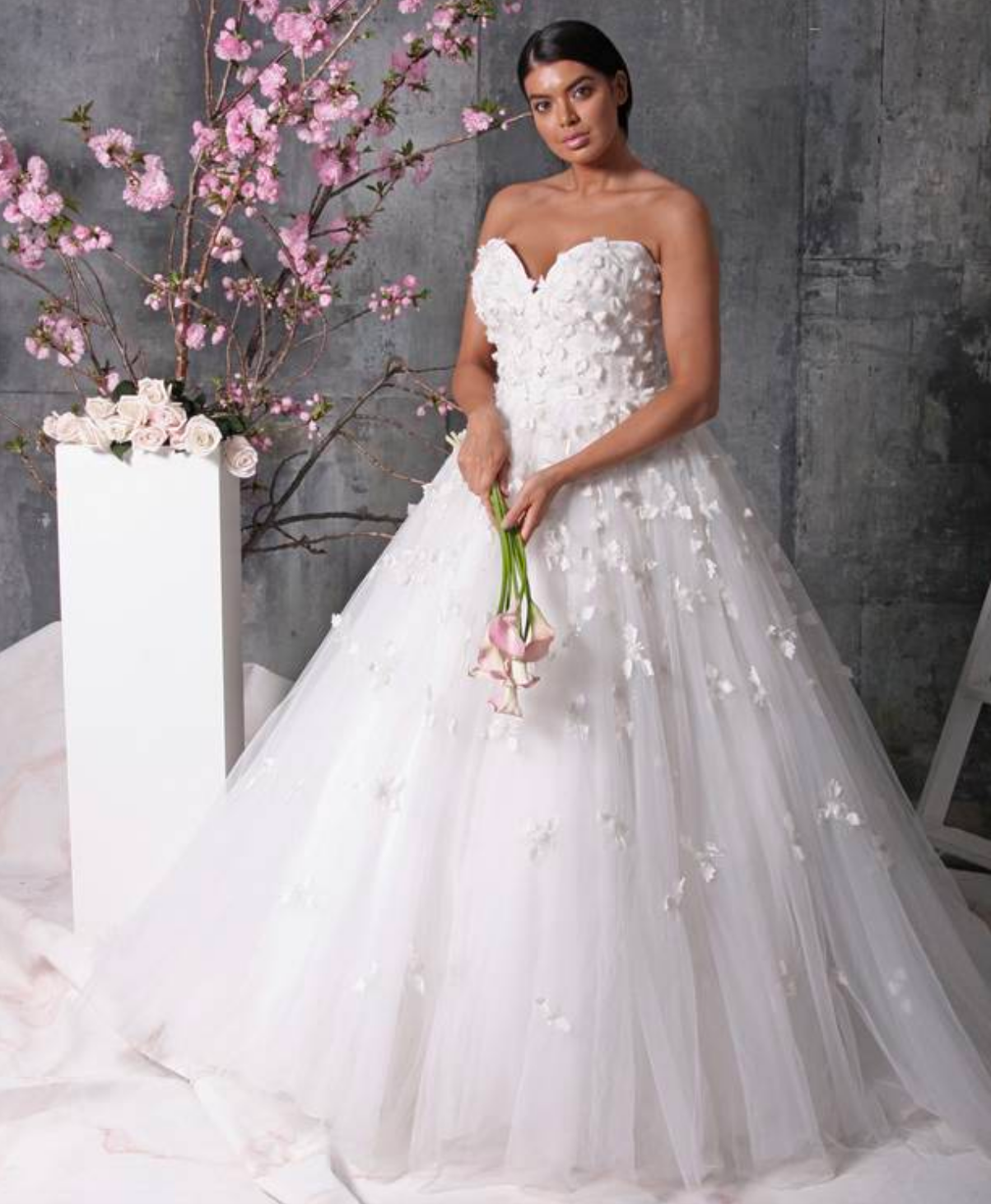 Mariage Christian Siriano Devoile Sa Gamme De Robes De Mariees Grandes Tailles