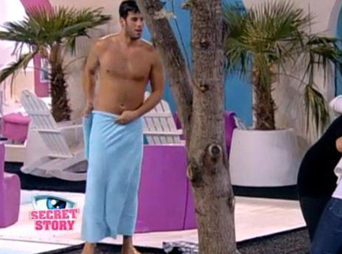 secret story 5 zelko tout nu dans la piscine