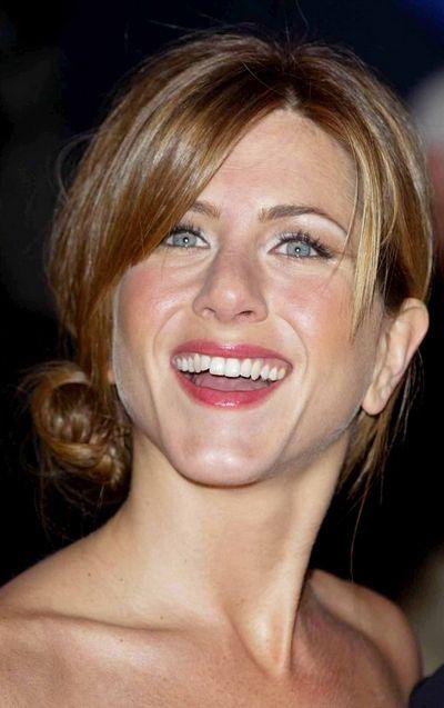Cheveux 20 Ans De Coupes Et De Coiffures De Jennifer Aniston