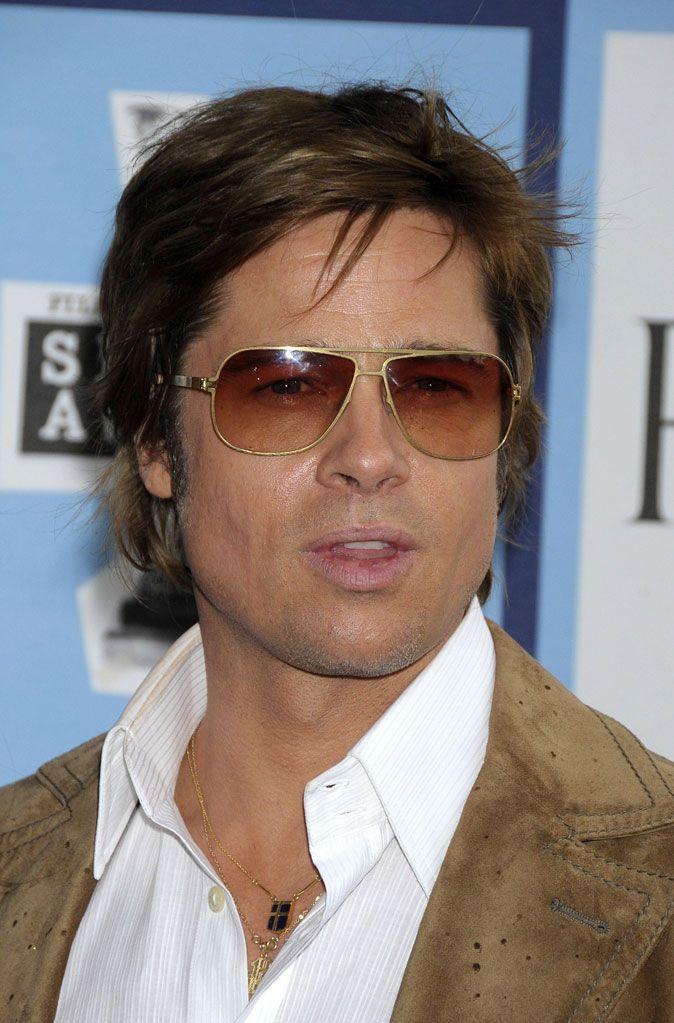 Fabuleux Coiffure de Brad Pitt : l'évolution de ses coupes de cheveux et de  TX01