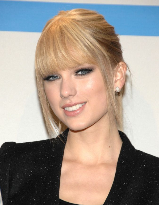 Extraordinaire Le CV capillaire de Taylor Swift : votez pour votre coiffure @QE_06