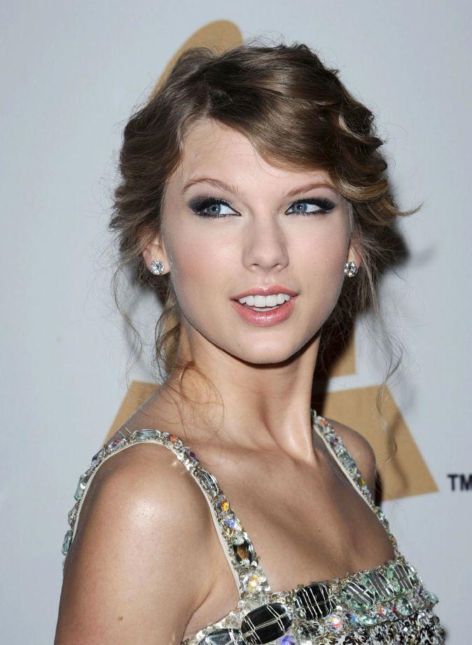 Fabuleux Le CV capillaire de Taylor Swift : votez pour votre coiffure #CT_16