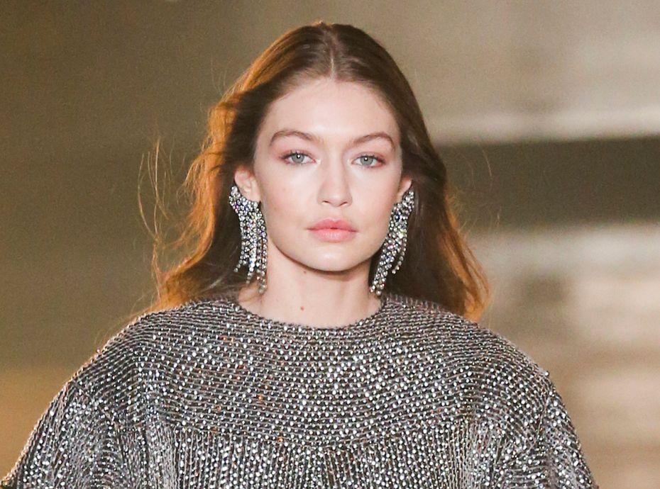 Rouge À Hadid WeekLe Que Gigi Portait Fashion Lèvres Paris NX8Zn0wPOk