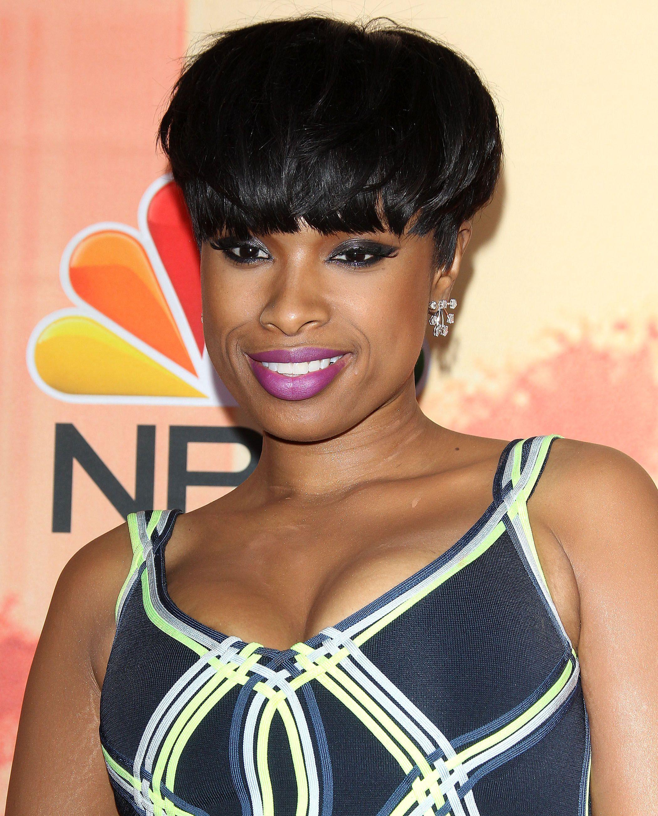 Coupe courte femme noire cheveux defrises