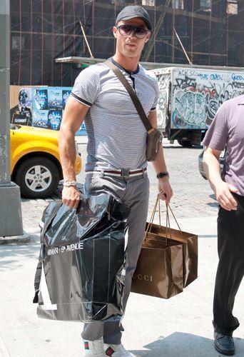 135bb066303 Looks de Cristiano Ronaldo   Sa fashion fixette   La ceinture Gucci !
