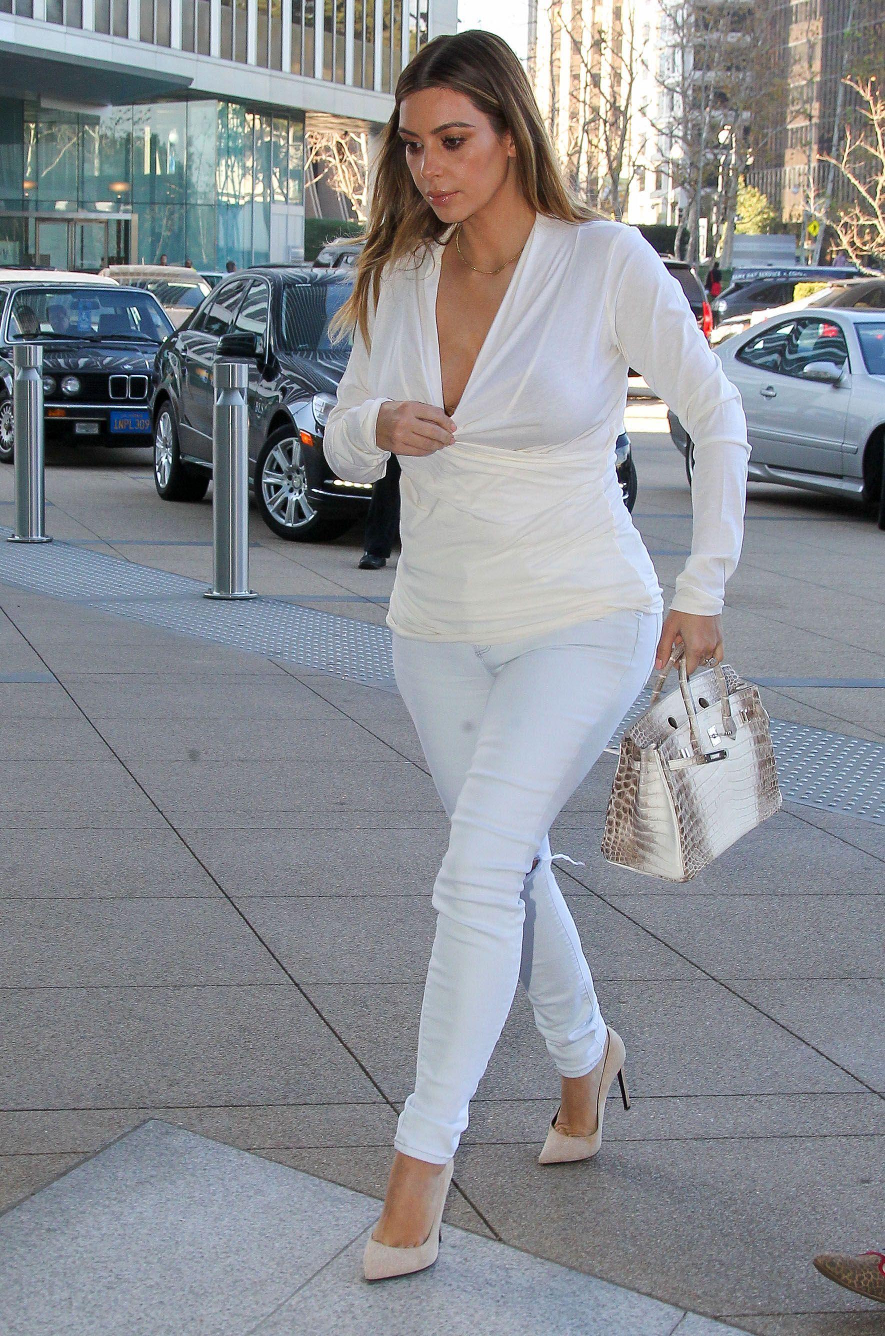 Ses Chaussures Toutes Remplacées Par Kardashian ModeKim Sa 0k8POXnw
