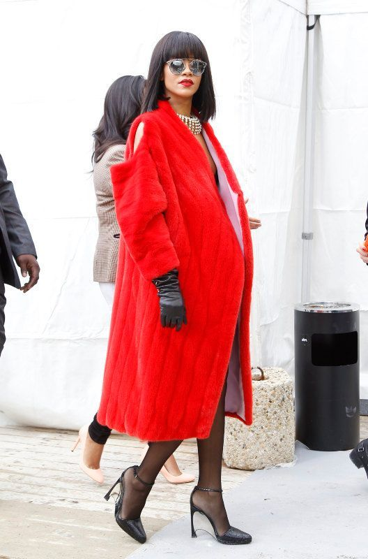 3c48bf7272f2c7 Mode   Rihanna   les 8 looks de Rihanna pendant la Fashion Week de Paris !