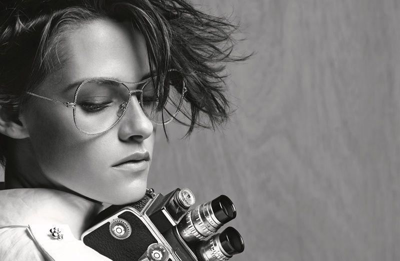 Photos   Kristen Stewart version tomboy pour Chanel Eyewear ! be3f28f0dfd1