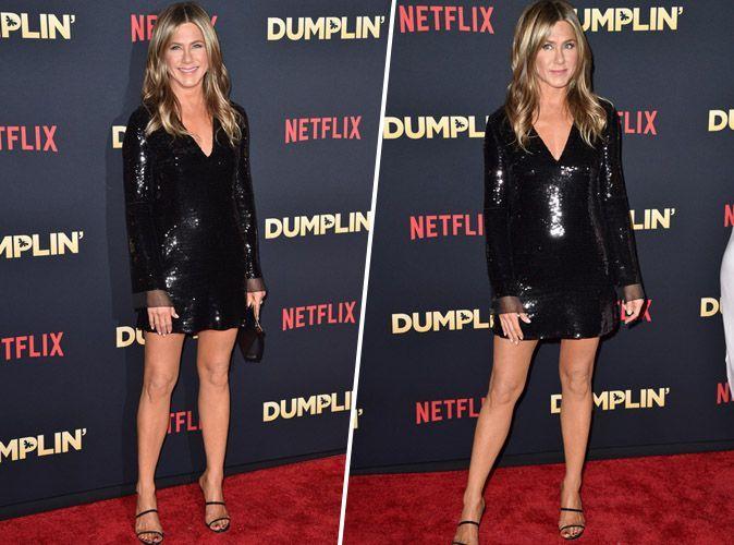 Jennifer Aniston   ultra sexy en petite robe noire, elle nous laisse ... 67fbd2d11b05