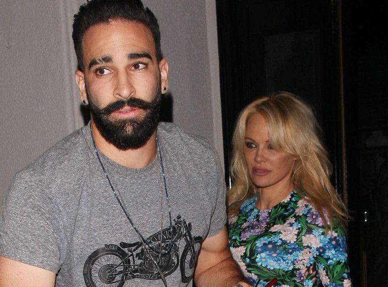 Adil Rami : Ce que Pamela Anderson lui a demandé est complètement dingue !
