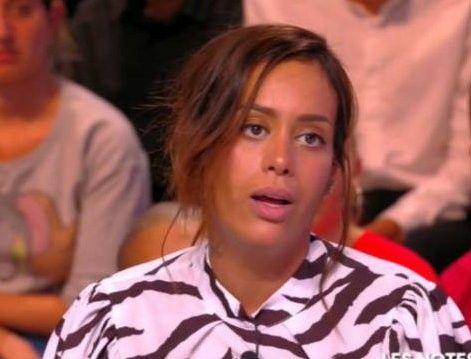 Amel Bent furieuse : la chanteuse pousse un gros coup de gueule...