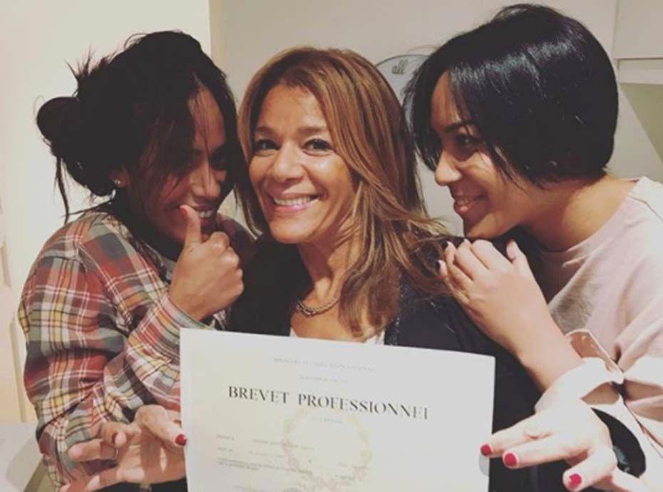 Amel Bent : la jolie déclaration à sa mère diplômée