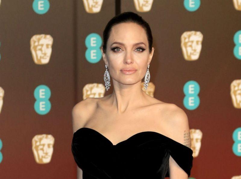 Angelina Jolie : Après le scandale, elle fait profil bas !