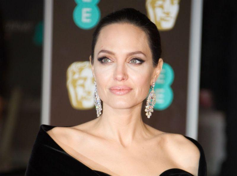 Angelina Jolie : Elle brise le silence au sujet de son divorce !