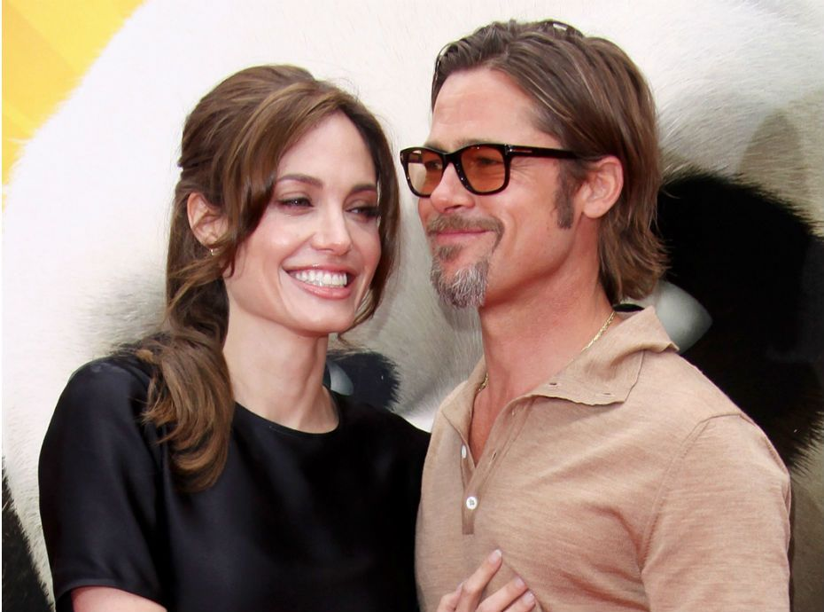 Angelina jolie brad pitt threesome apologise