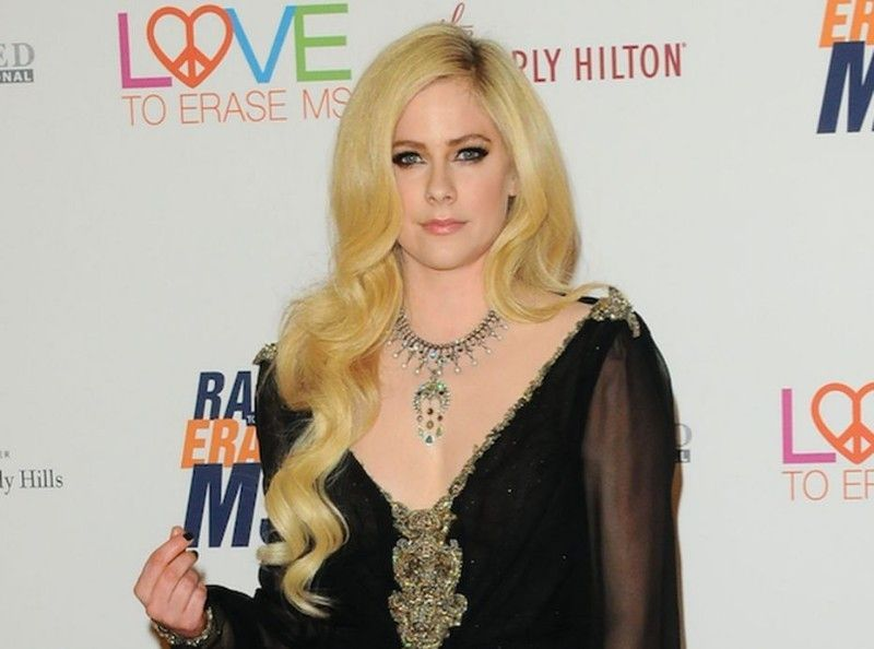 Avril Lavigne, malade : son poignant témoignage...