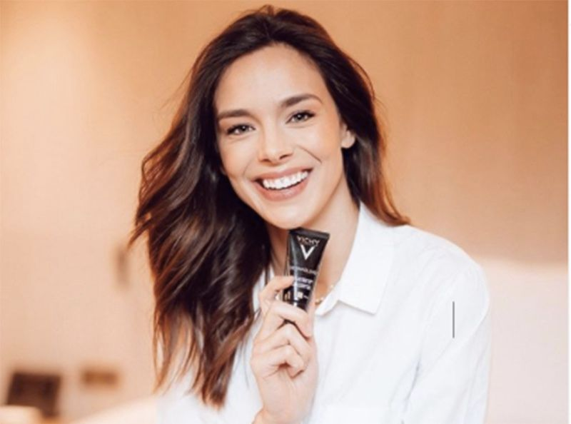 Beauté : 3 étapes pour un makeup naturel comme Marine Lorphelin