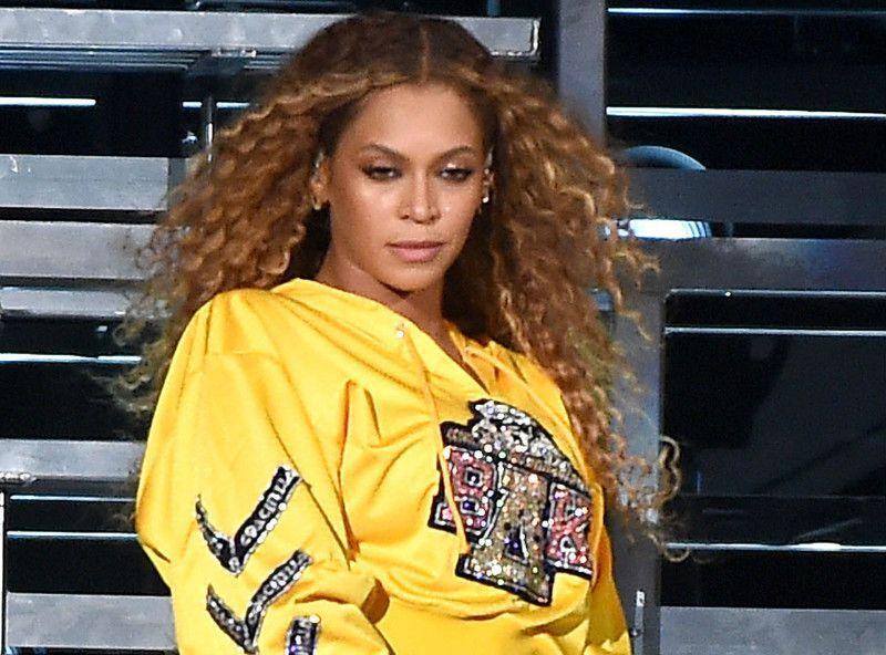 Beyoncé : La star s'affiche avec le maillot de son équipe de football préférée