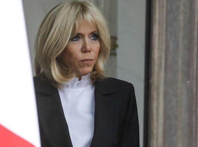 Brigitte et Emmanuel Macron comme vous ne les avez jamais vus... la photo TRÈS TRÈS intime qui surprend !