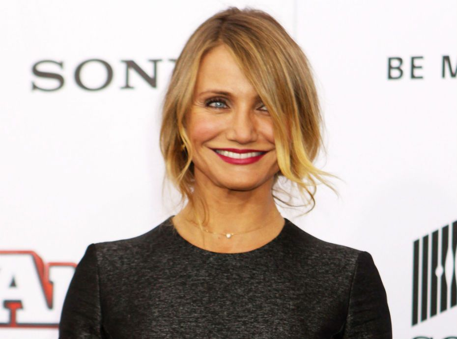 Cameron diaz compl tement nue la piscine for Nue a la piscine