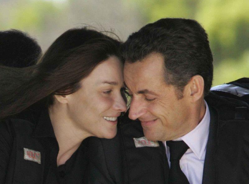 Carla Bruni : ce détail sexy qui l'a fait craquer pour Nicolas Sarkozy !