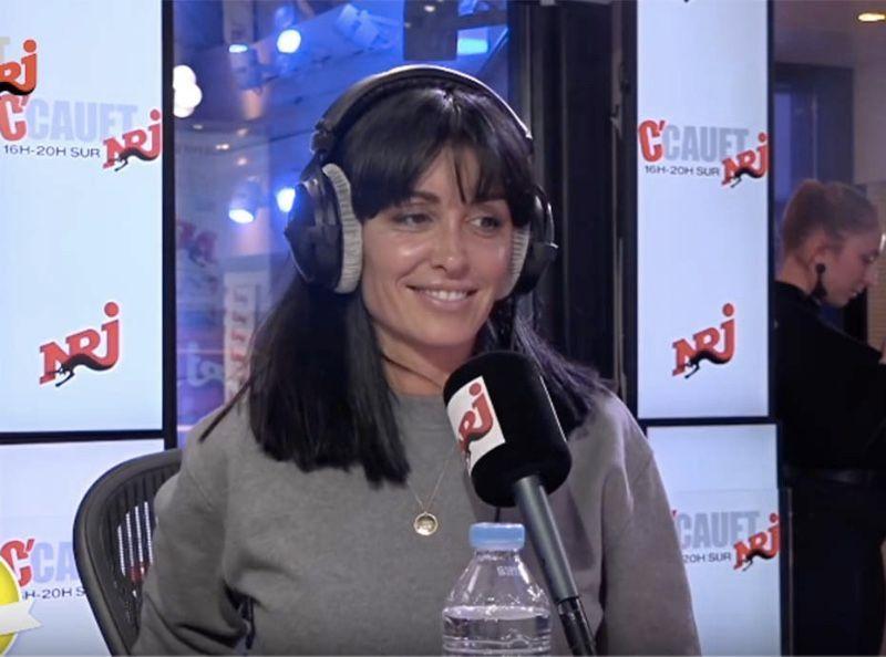 Cauet invite Jenifer à la radio et lui balance une scandaleuse blague sur le drame de sa vie...