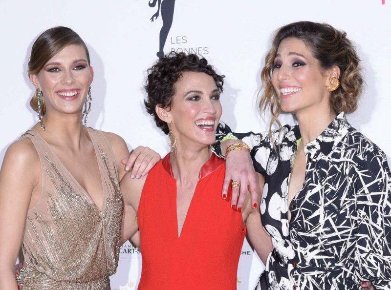 Cette Miss France avoue avoir eu une expérience lesbienne !