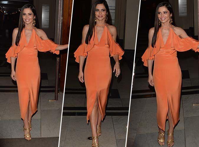 Cheryl Cole : Bombesque en robe orange, la mère célibataire rayonne