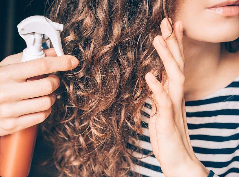 Comment assumer ses cheveux blancs - Comment se debarrasser des vers blancs ...