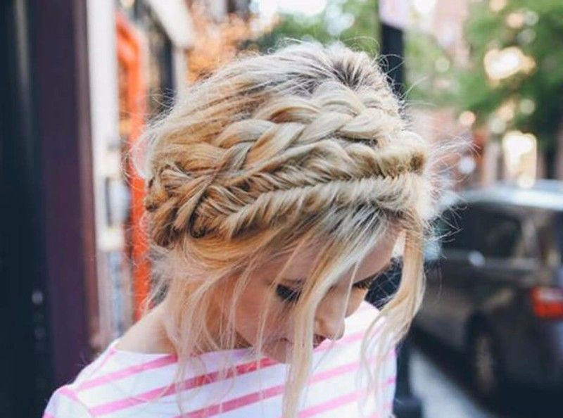 Cheveux Longs 3 Idees De Coiffure A Realiser En Cinq Minutes