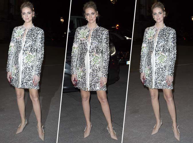 Chiara Ferragni : Sublime en manteau à sequins et escarpins sling-back signés Dior !