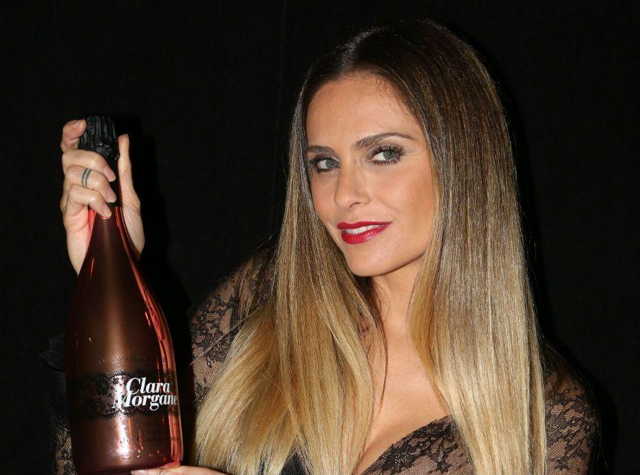 Clara Morgane : son nouveau champagne a un goût de scandale...