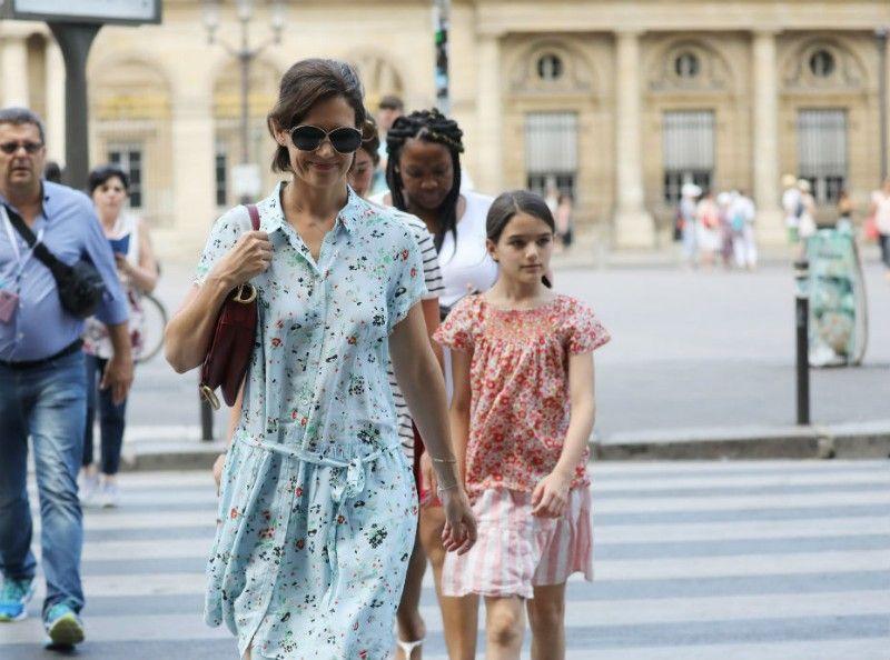 Diapo : Katie Holmes visite Paris avec sa fille Suri