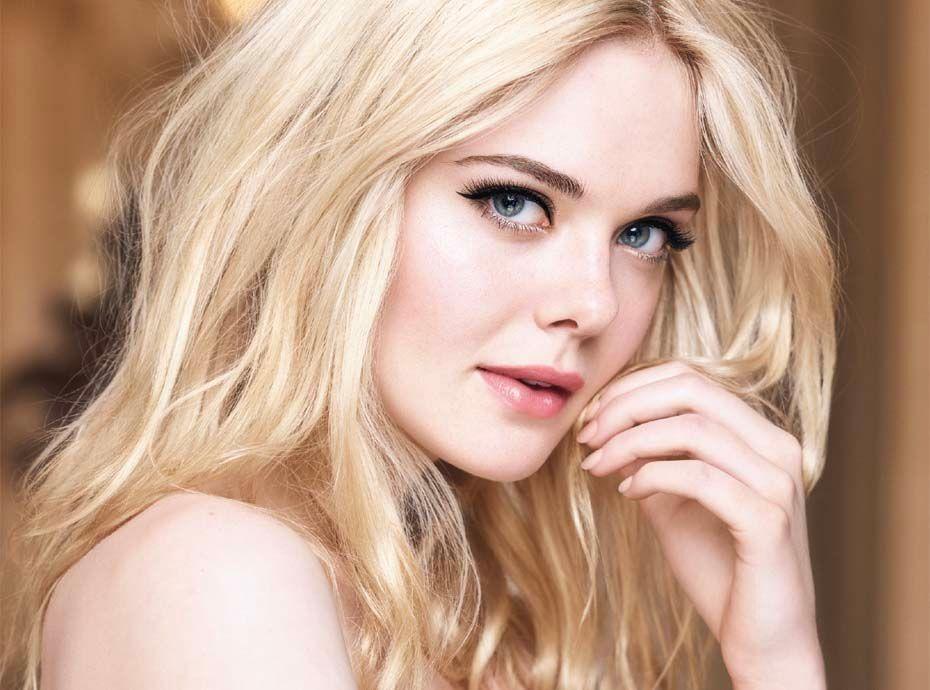 Elle Fanning nous présente le Mascara Paradise de L'Oréal Paris