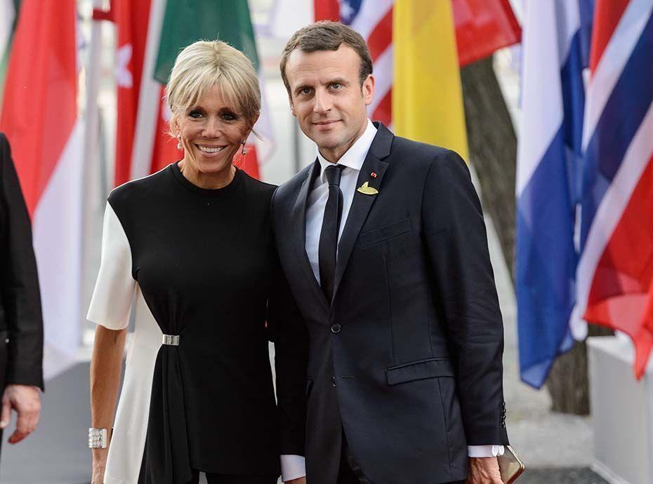Emmanuel et Brigitte Macron se lâchent sur la piste : la vidéo qui fait le buzz !