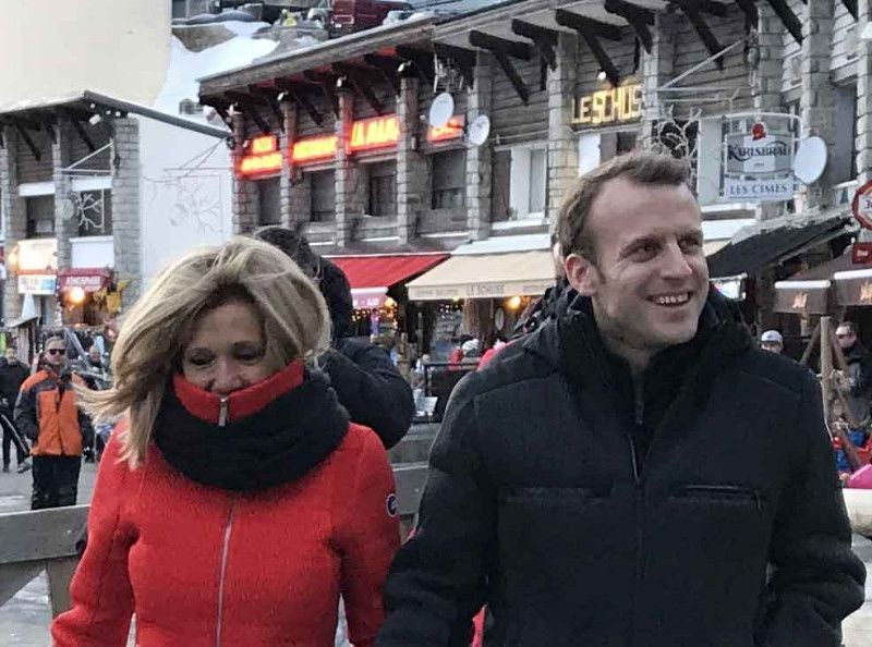 """Emmanuel Macron privé de ski : """"tout le monde croit que je suis à Courchevel"""""""
