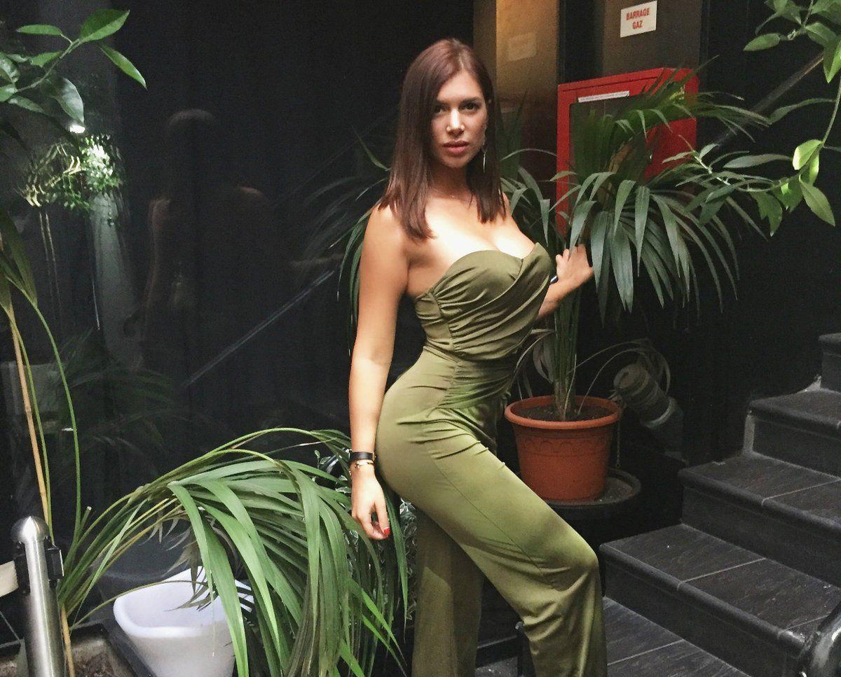 escort girl var