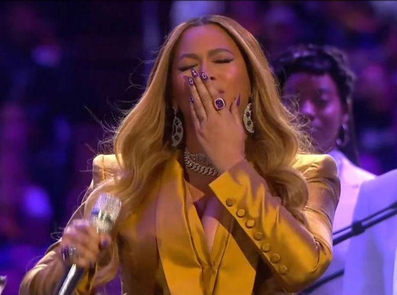 Hommage à Kobe Bryant : caprices, infidélité... Beyoncé se fait lyncher !