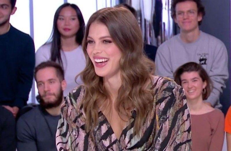 Iris Mittenaere dévoile ses tétons sur Instagram : attention aux yeux !