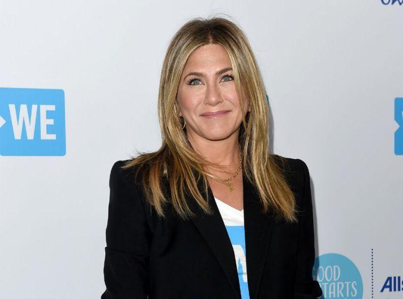 Jennifer Aniston : Ciao les hommes, elle a mieux à faire !