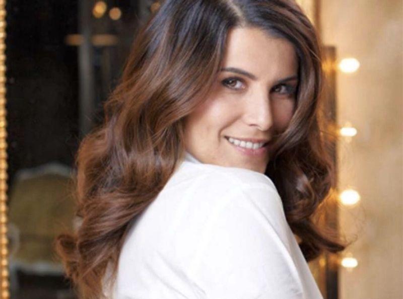 Karine Ferri decouvrez le parfum a moins de 35 qu elle porte depuis plus de 20 ans !