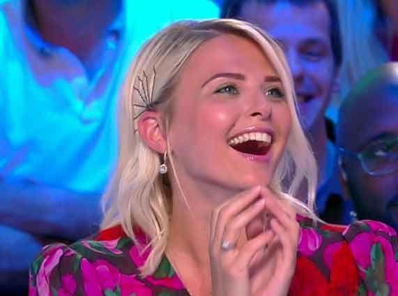 Kelly Vedovelli (TPMP) raconte son rêve érotique avec Julien Courbet !