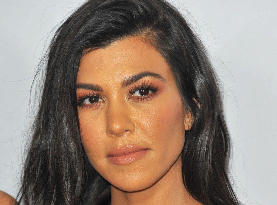 Kourtney Kardashian : Sur le point de lancer sa propre marque de maquillage ?