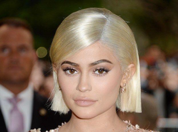 Kylie Jenner : Après les cheveux roses, elle passe au bleu !