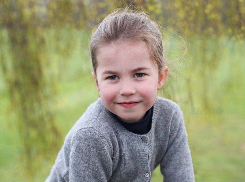 La princesse Charlotte parle déjà 3 langues à 4 ans ! Découvez lesquelles !