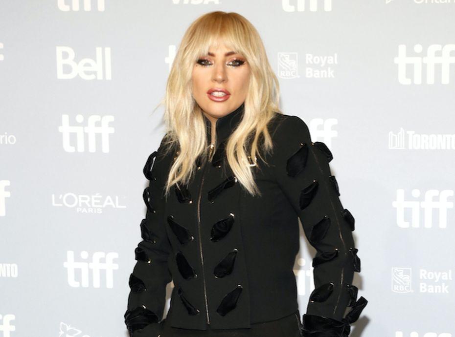 Lady Gaga : entourée de 5 présidents américains, cliché historique pour la popstar !