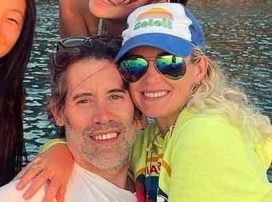 Laeticia Hallyday a refusé catégoriquement d'embrasser Jalil Lespert : cet aveu qui en dit long !