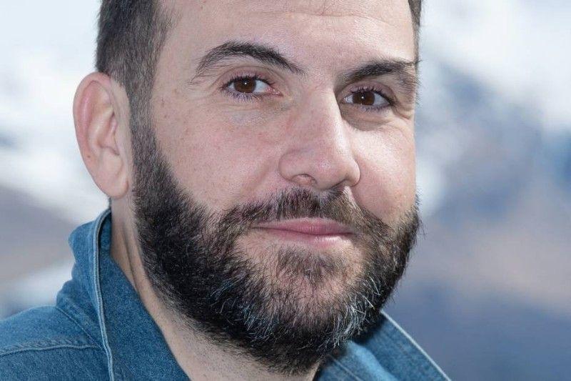 Laurent Ournac critiqué par des internautes sur sa prise de poids : il répond d'une façon… très particulière