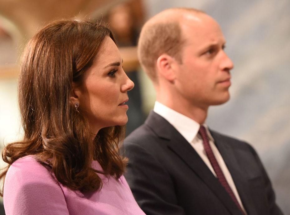 Le Prince Harry \u0026 Meghan Markle vont se marier  Le Prince William et Kate  Middleton réagissent !